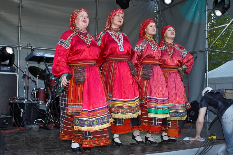 Песня смайлик Верка Сердючка ...: extremeplay.ucoz.es/blog/pesnja_smajlik_verka_serdjuchka_ispolnila...